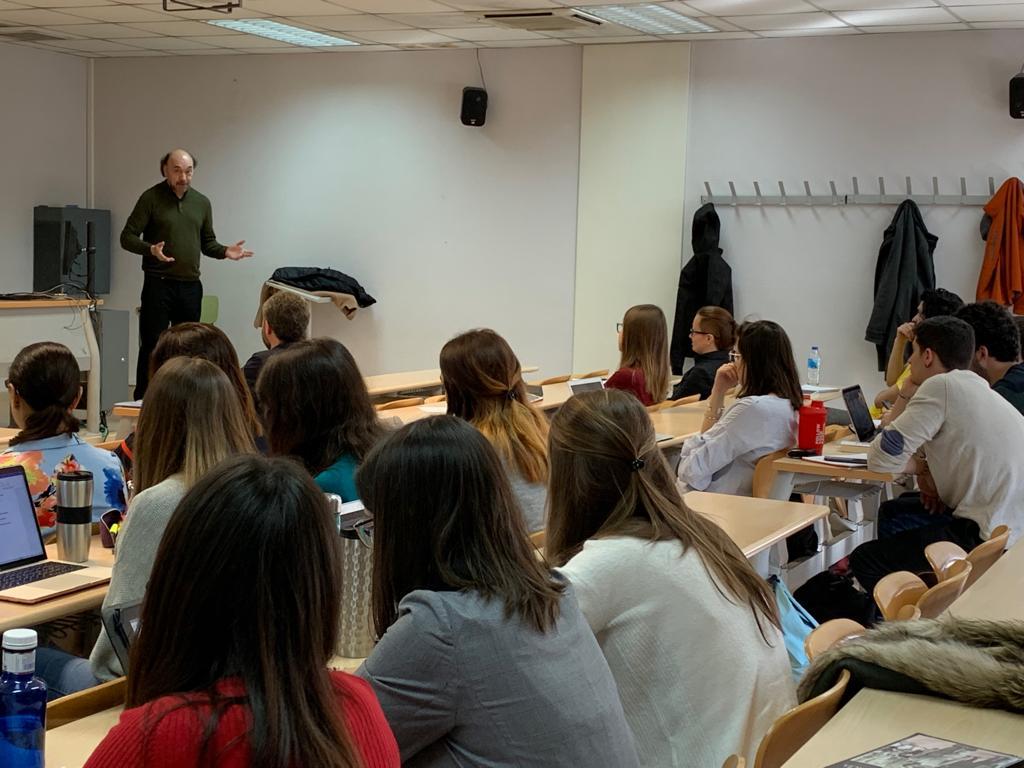 En Madrid, clase en el Master en Estudios Avanzados