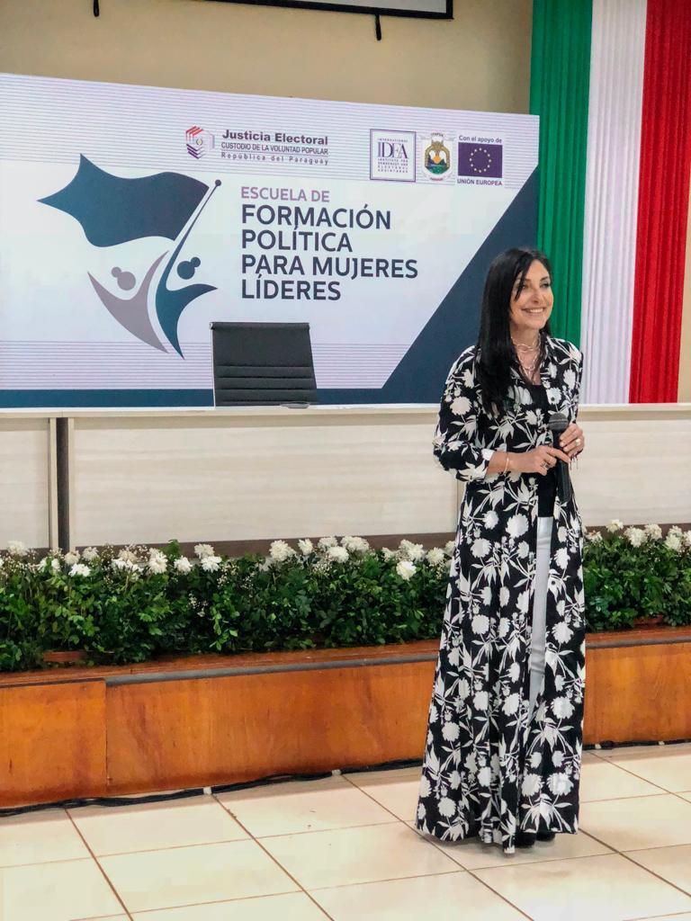 Comunicación y mujeres líderes13