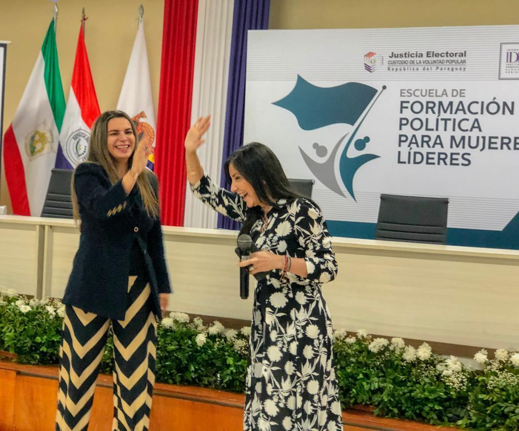 Comunicación y mujeres líderes14