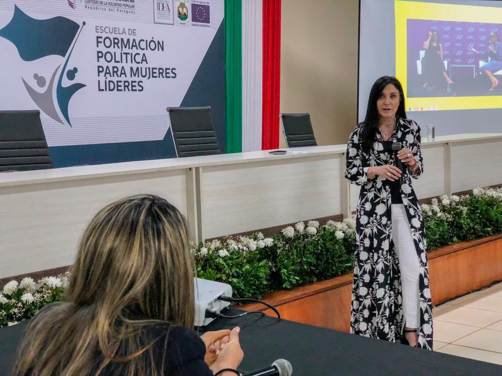 Comunicación y mujeres líderes15