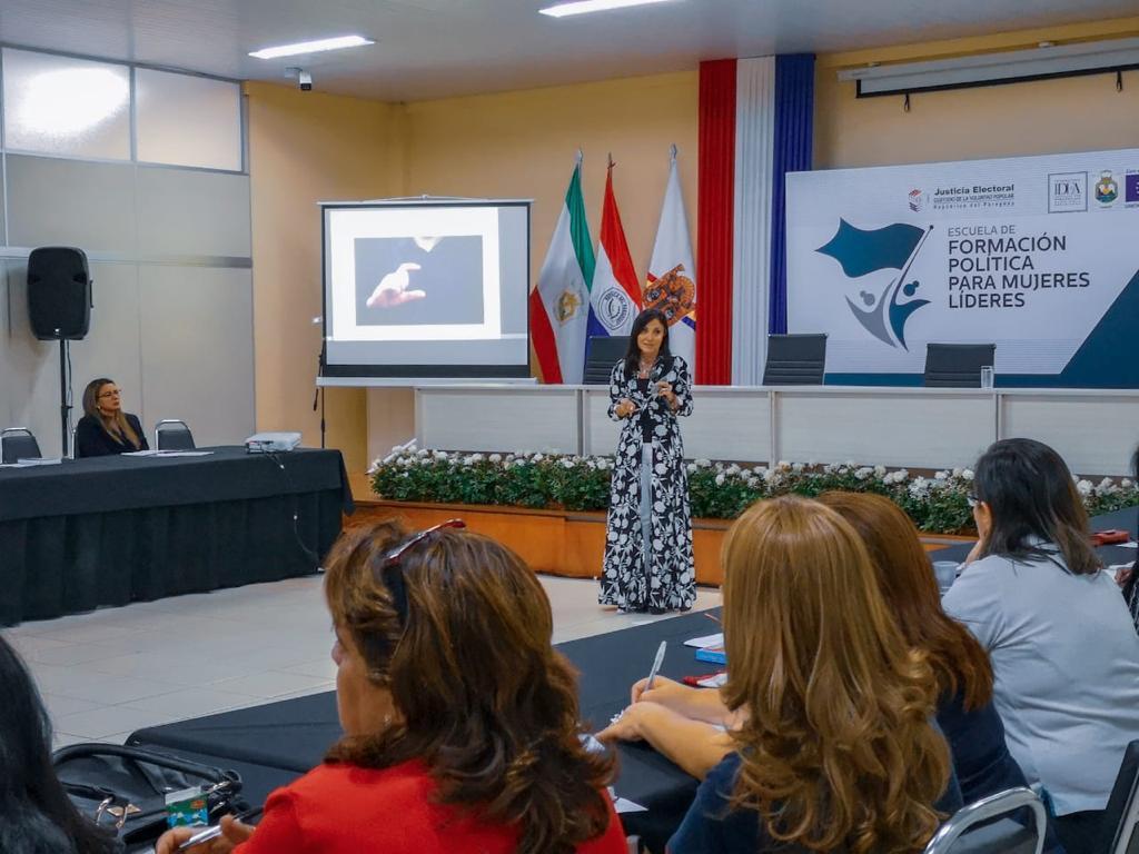 Comunicación y mujeres líderes17