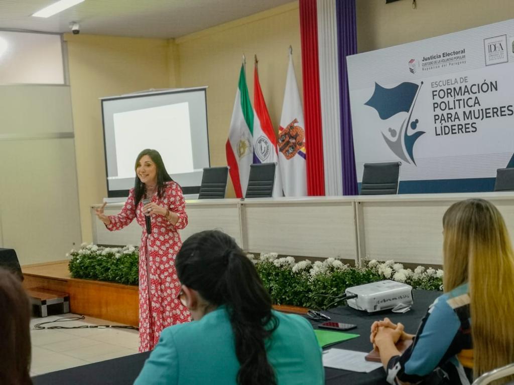Comunicación y mujeres líderes3