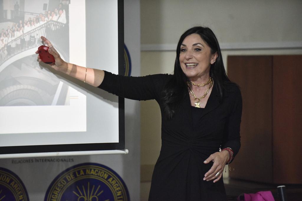 Entrenamiento en comunicación para mujeres profesionales (2)