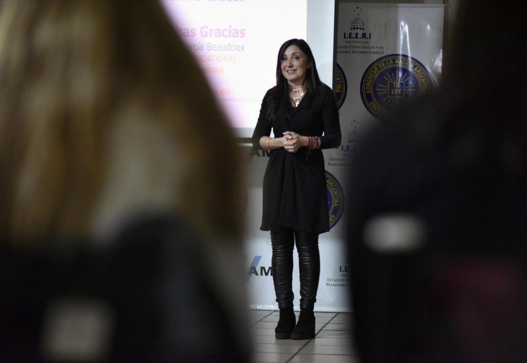 Entrenamiento en comunicación para mujeres profesionales (4)