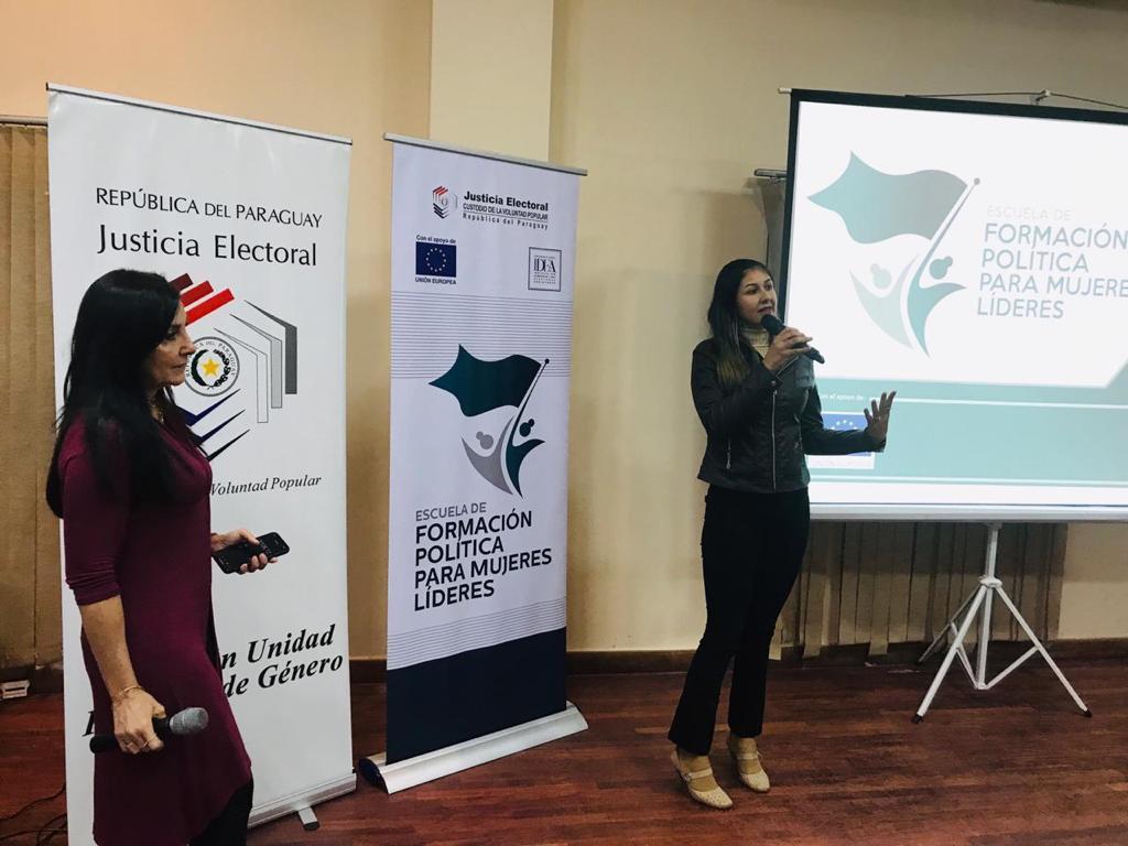 Taller de comunicación e imagen para mujeres líderes(1)