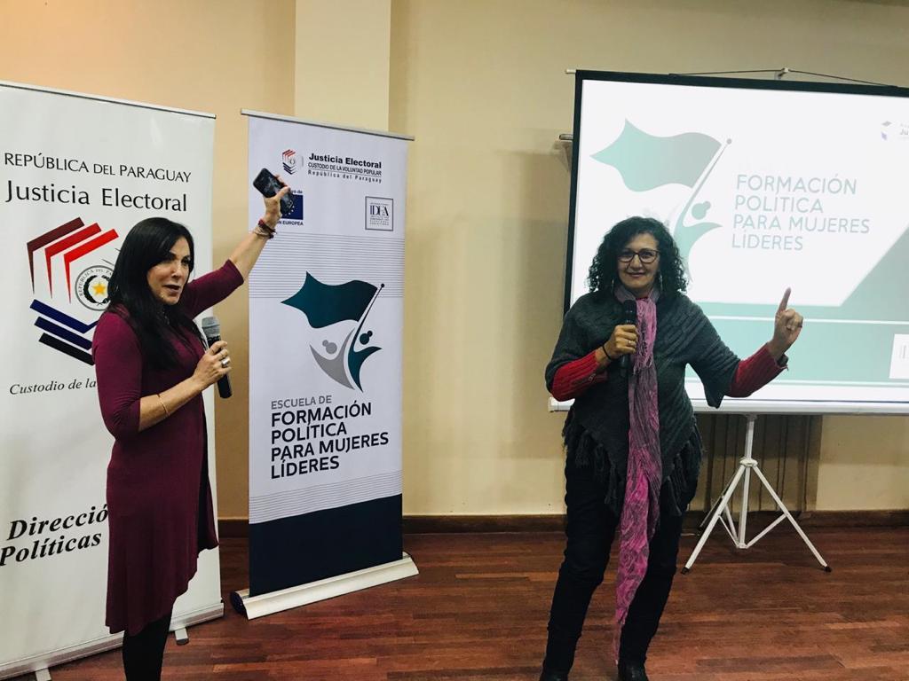 Taller de comunicación e imagen para mujeres líderes(2)