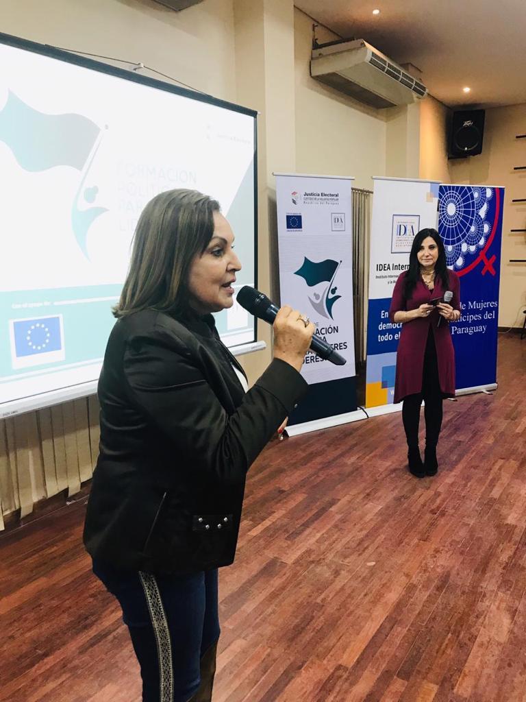 Taller de comunicación e imagen para mujeres líderes5