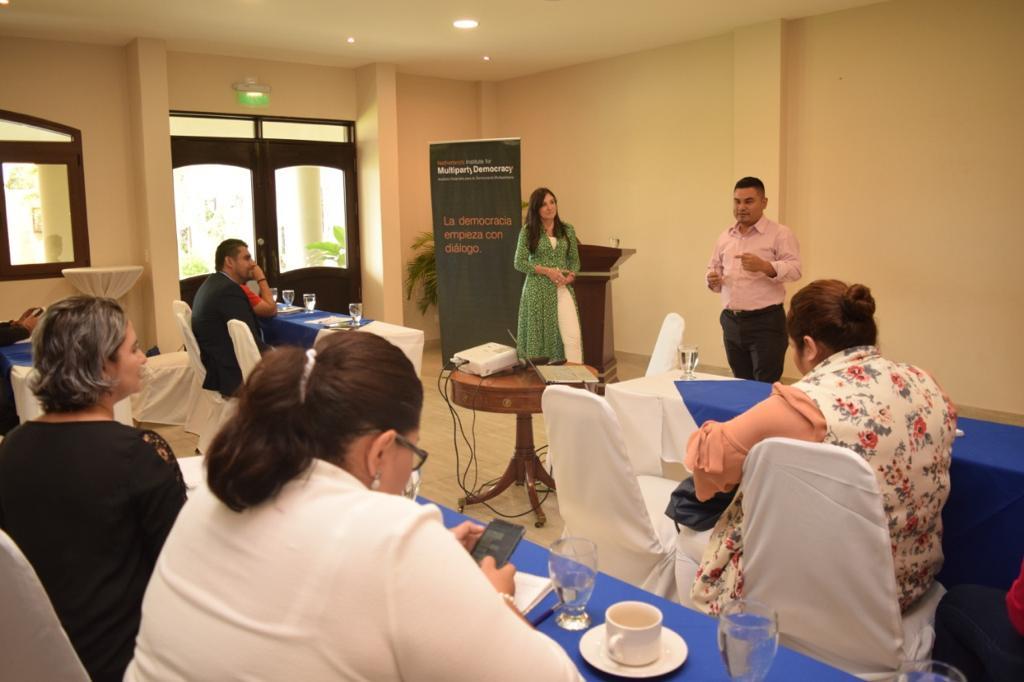 Entrenamiento para legisladores jóvenes(6)