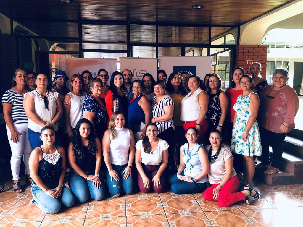 Mujeres en la política (13)