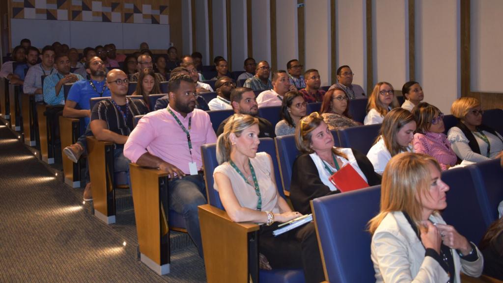 Charla en la Sociedad Industrial Dominicana comunicación inclusiva y diversidad2
