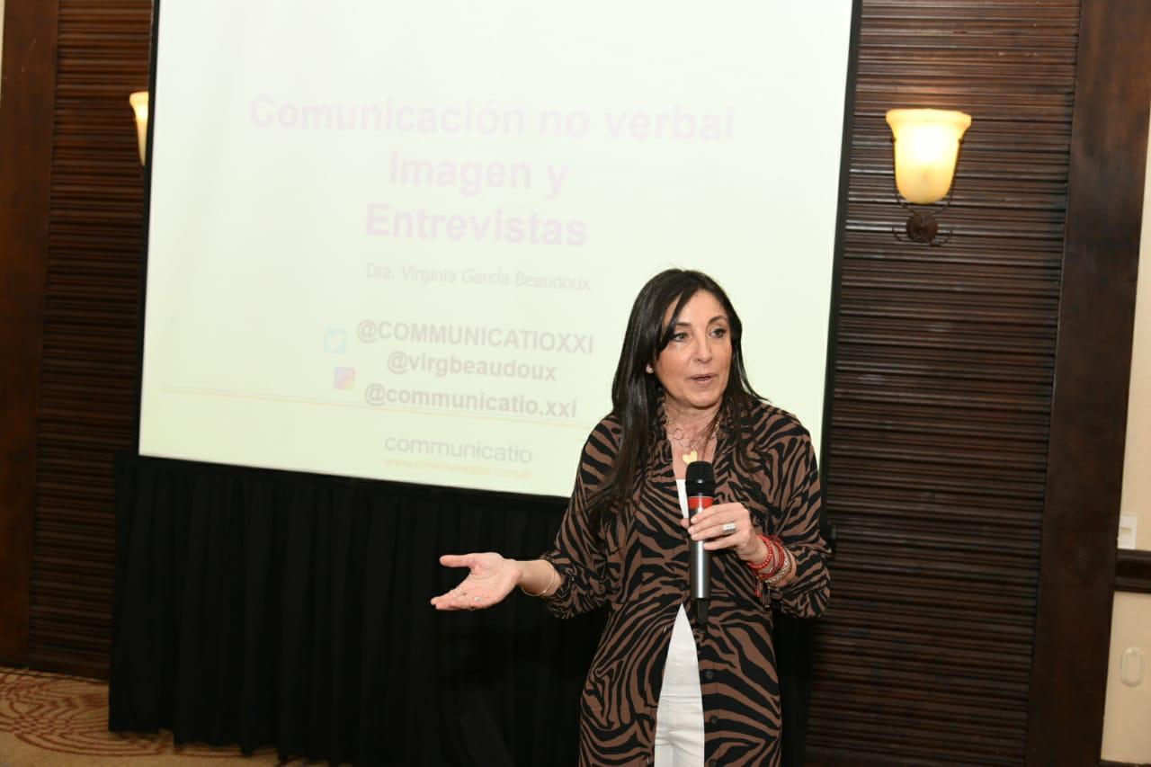 Taller de comunicación para mujeres líderes4
