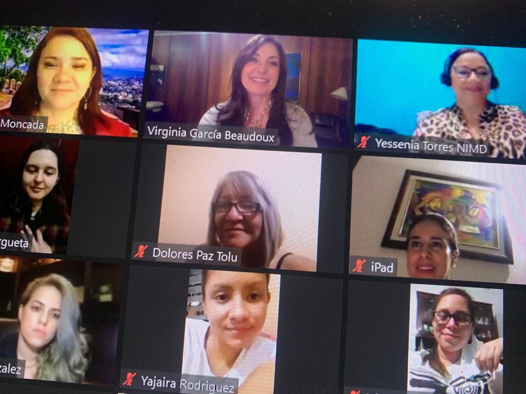 Programa de habilidades de comunicación para mujeres líderes